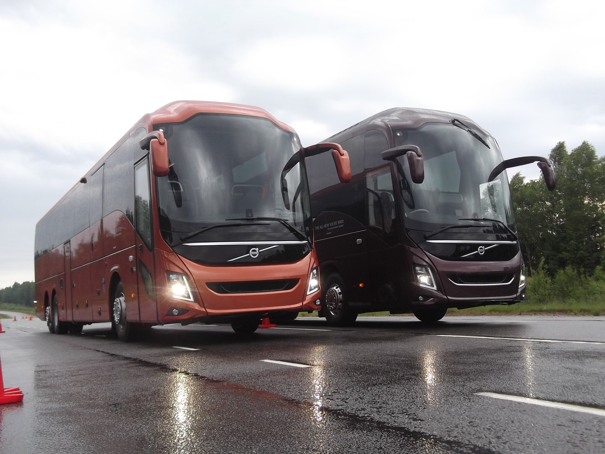 Volvo Bus Launches New 9900 Coach Fleet Transport