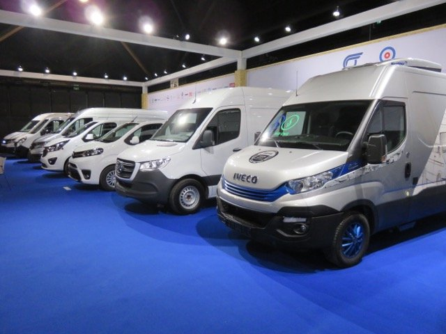 Commercial vehicle registrations increase