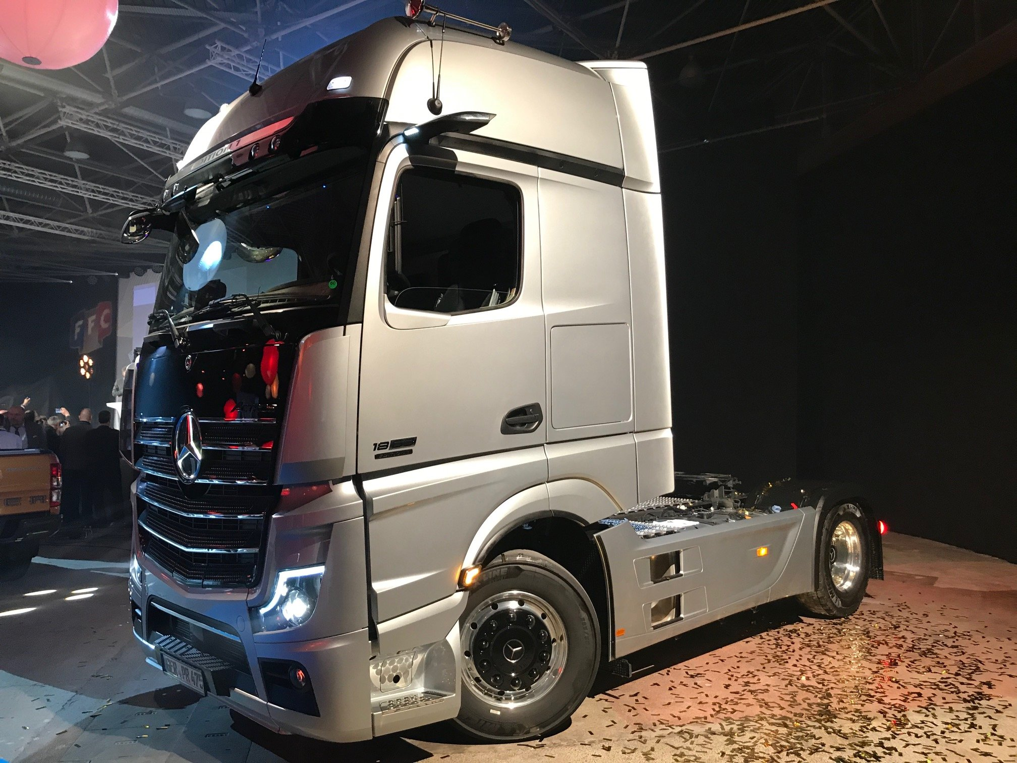Mercedes-Benz Actros wins International Truck of the Year ...